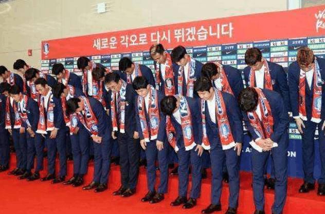 日本队和韩国队回国后享受的待遇大不同,机场