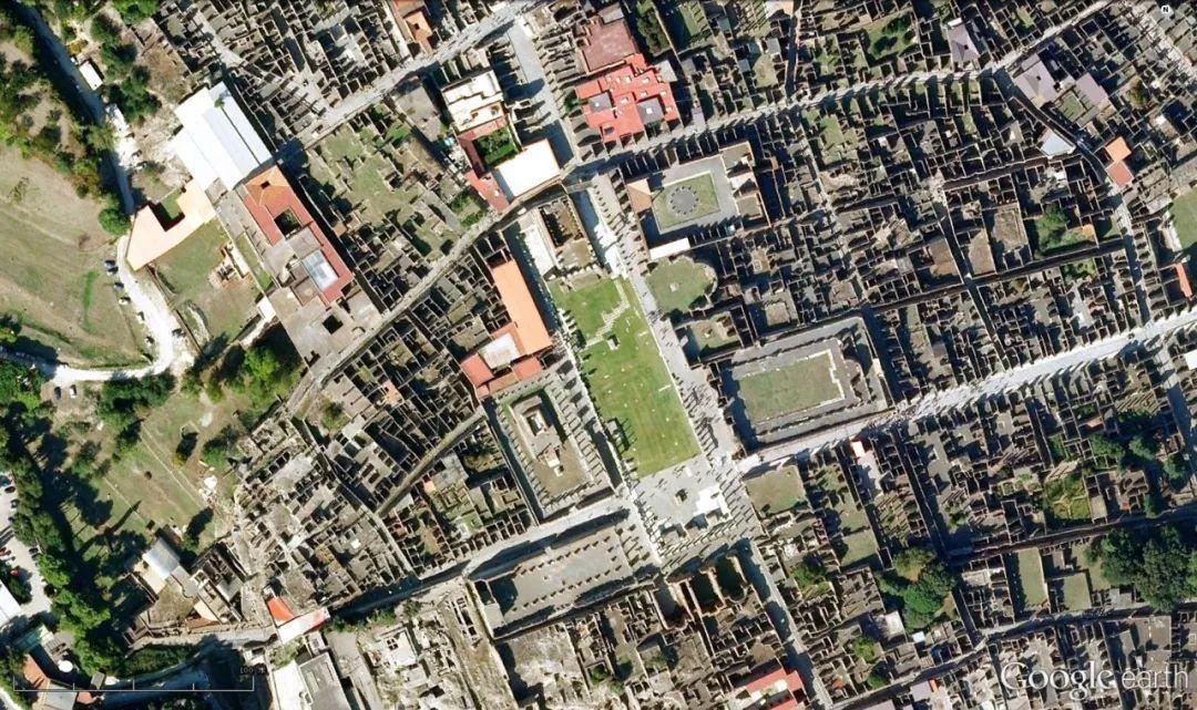 這是羅馬城市網格規劃的另一種常見模式.圖片