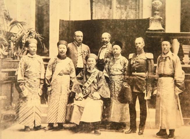 李鸿章与十一国谈判辛丑条约时 为什么要住在贤良寺