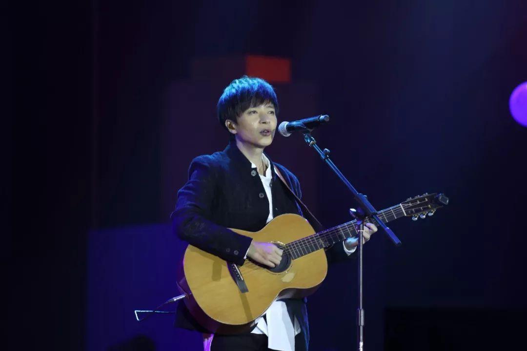 """央广MusicRadio音乐之声 """"木伦河冰淇淋""""中国TOP排行榜 2017年度颁奖晚会盛大举行"""
