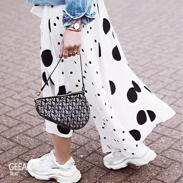 G‧潮™ 巴黎时装周街头发掘的IT Bag:就是这个!