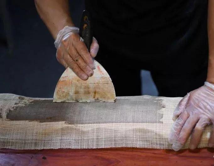 山西人   山西省唯一一位手斫古琴的非物质文化遗产传承人张浩图片