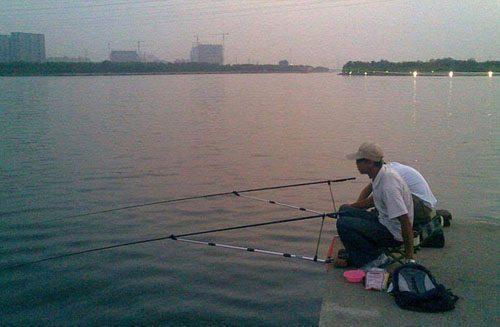 夏季以底钓鲫鱼调平水为例,用这招不愁没鲫鱼钓