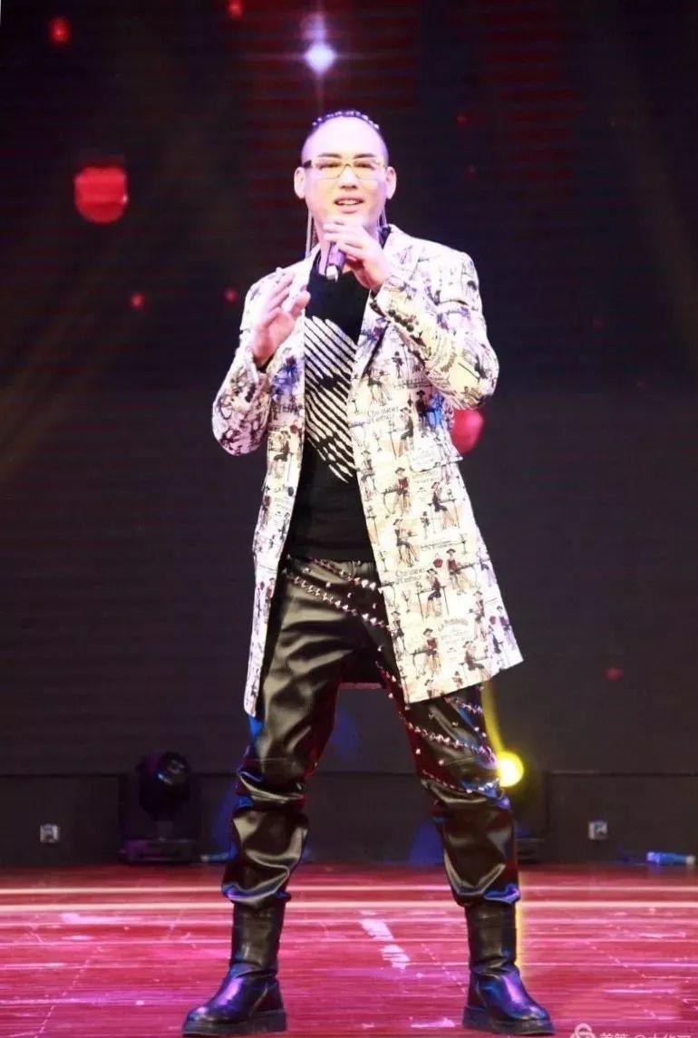 CCTV-7中华母亲栏目王立伟回报家乡首场个人演唱会,开启青州泰华城年中庆