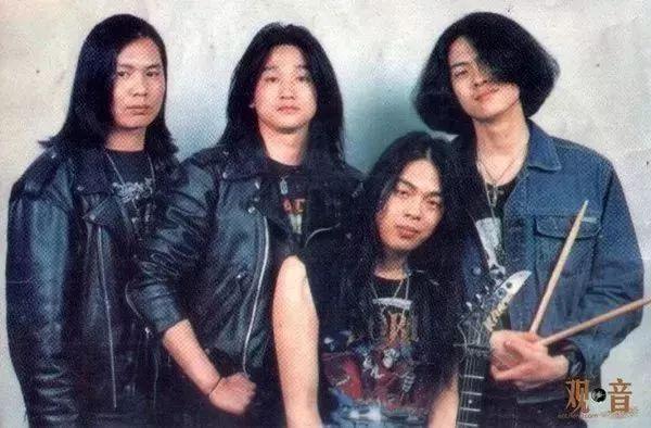 旅游 正文  万李马王乐队才是中国大陆较早的一支演绎西方摇滚乐的