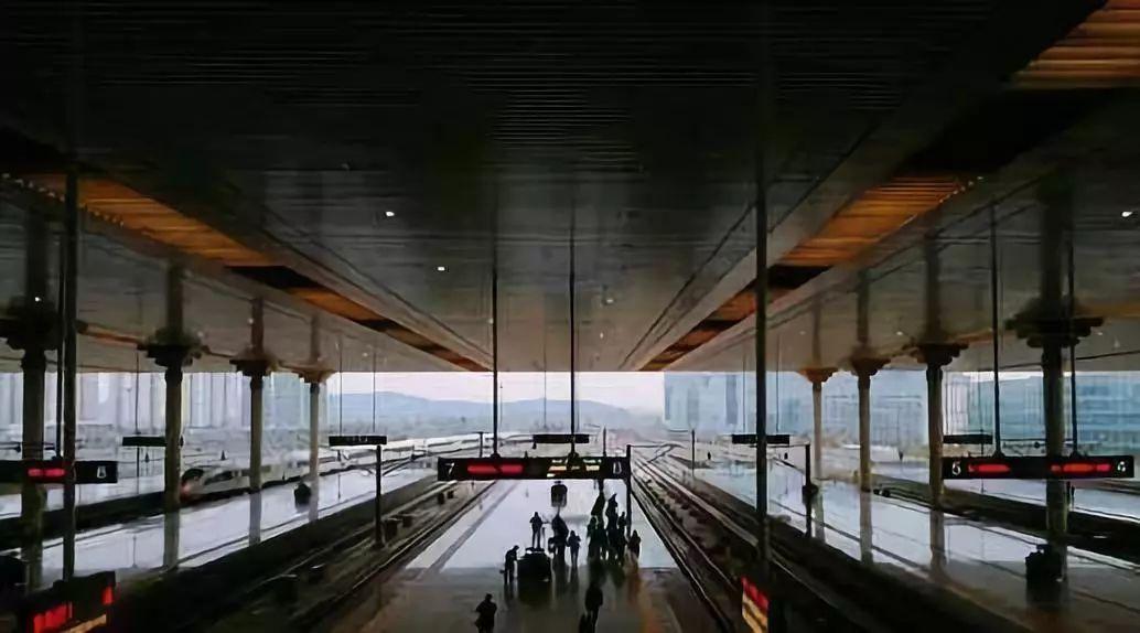 明年起,荆州人将不用排队取票了 因为高铁进站将实行