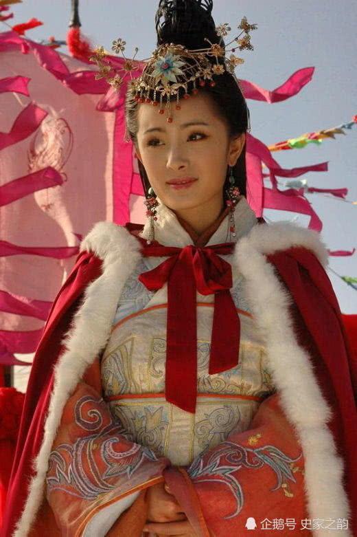 她才貌双全入宫五年未见君王,留诗后自尽,皇帝怒而处死选秀宦官