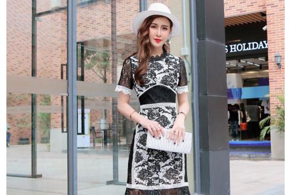 夏天,怎么穿才更有女人味?广州一线品牌ZJQ教你美丽秘诀 公司动态 第1张