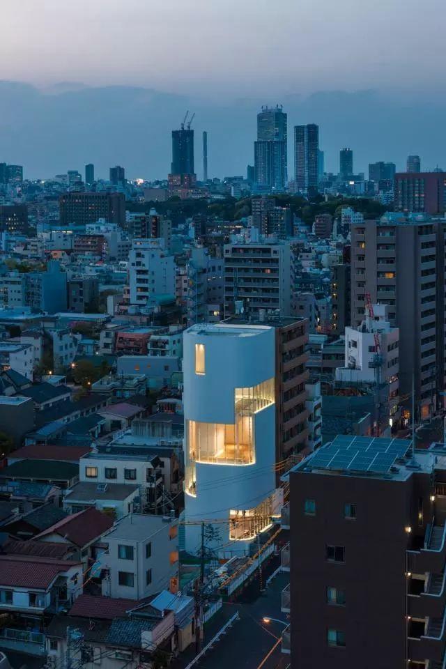 东京风背景花纹图