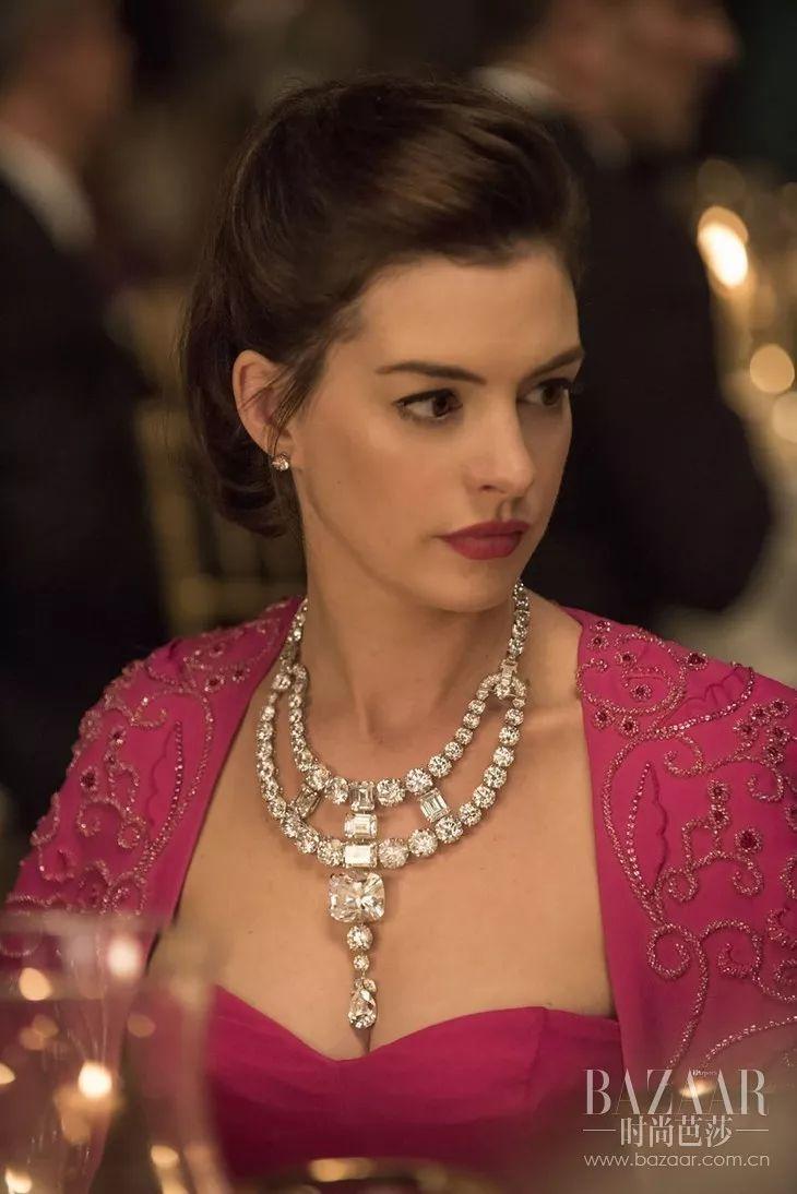 8个女人一台戏就为了偷走1.5亿美刀珠宝?可这明