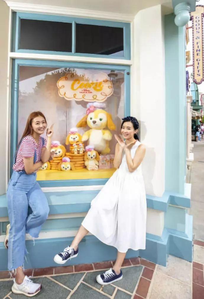全球首度亮相,香港迪士尼里多了几张星相十足的新面孔,等着和你一起浪,这个夏天又多了一个去香港的理由!