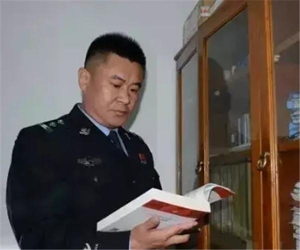 张力文:老百姓身边的便衣警察