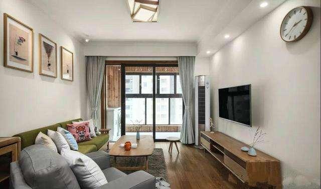 装修93㎡两居室全屋白墙, 搭配原木色家具, 15万搞定简约漂亮!