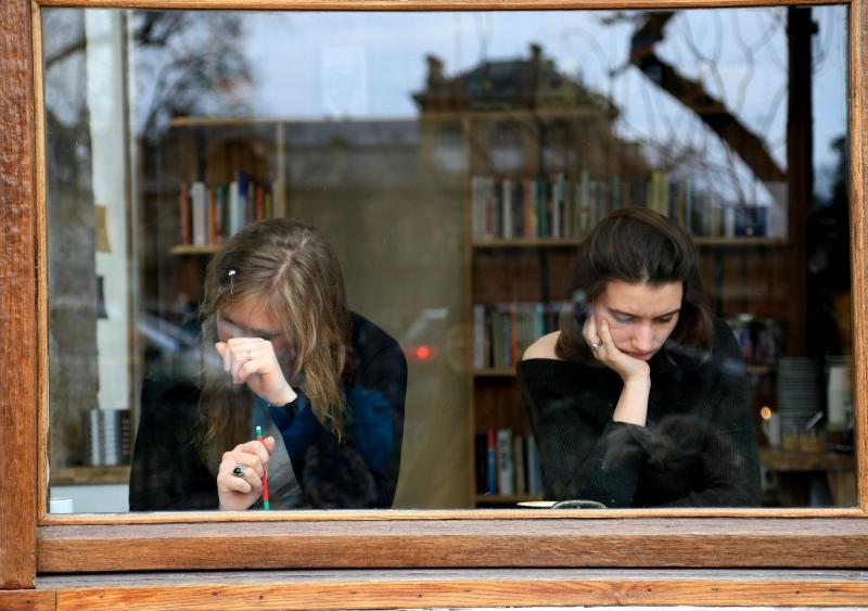 世界著名的书店:禁止拍照,但店员说中国游客会偷偷自拍