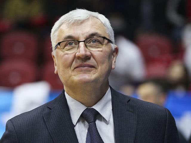 CBA五大外籍教练:尤纳斯、戈尔领衔,雅尼斯、贝西诺维奇入围
