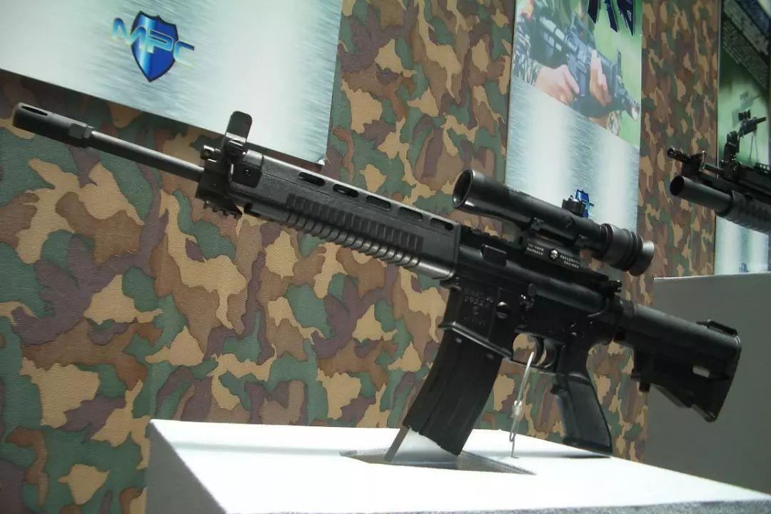 m16pw_△台最新t91步枪被称作山寨版m16,其发展承袭自t86,而t86则源自t65