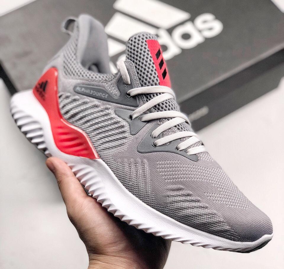 阿迪达斯阿尔法跑鞋 adidas alphabounce