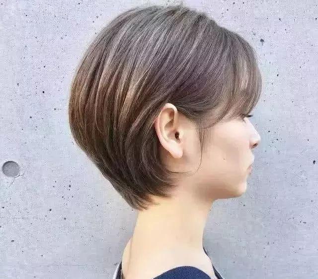 2018适合女生干净利落的短发发型图片