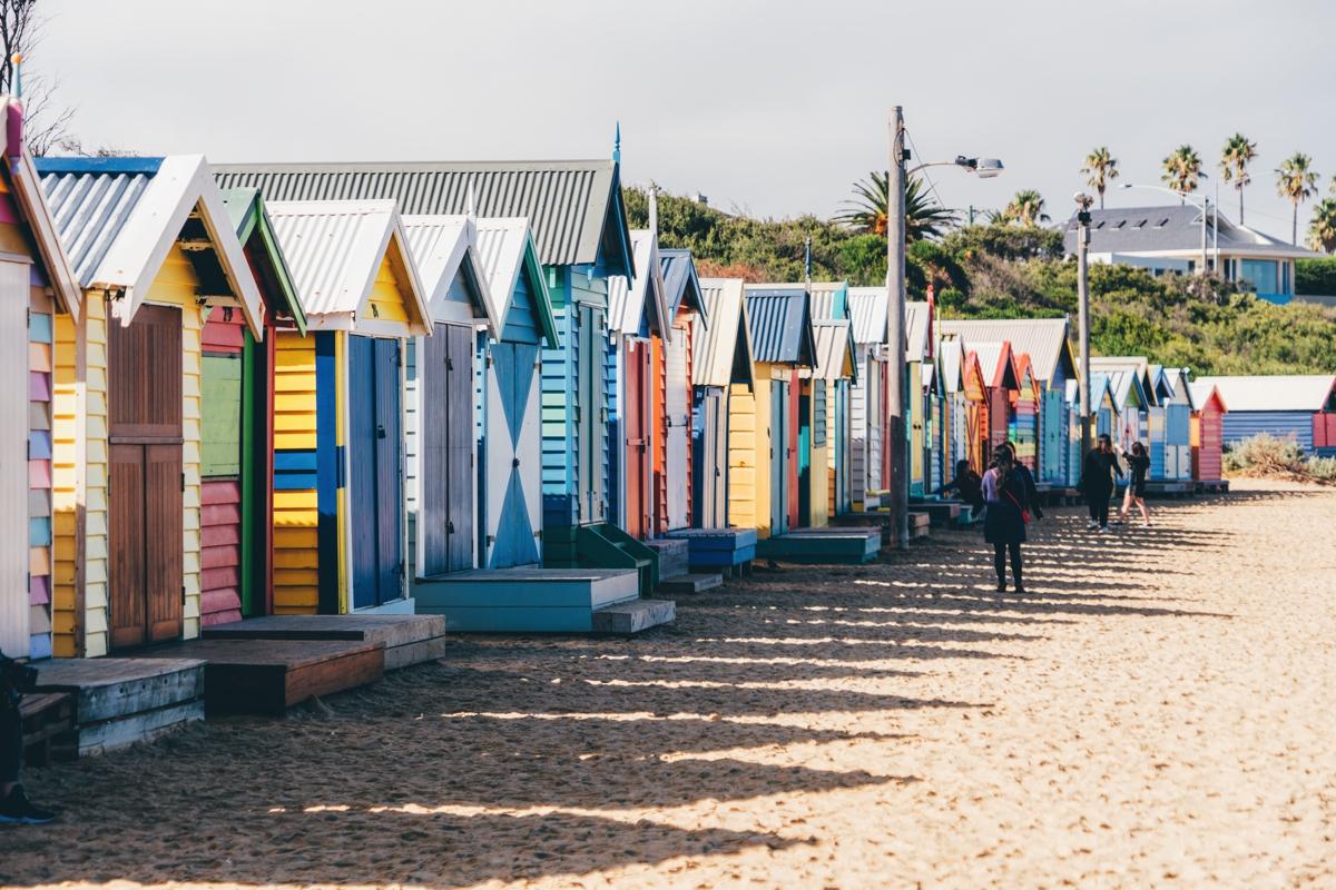 """澳大利亚布莱顿沙滩上的天价""""彩虹小屋""""到底有多贵?"""