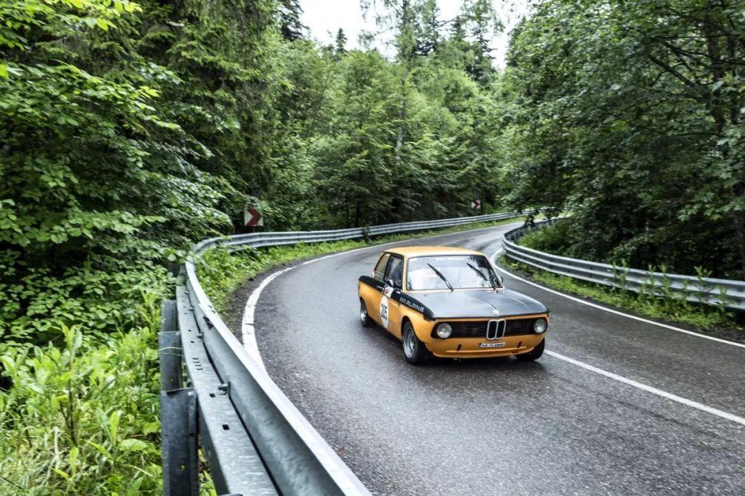 宝马赞助意大利埃斯特庄园古董车展,带你领略