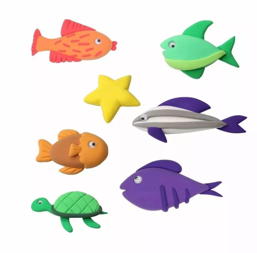 捏出小鱼,水草和海星进行组合就可以了哦~ 超轻黏土版的海底世界就做