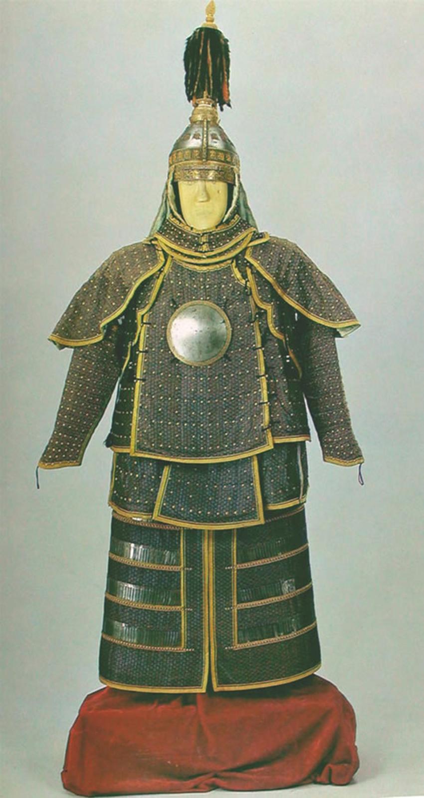 乾隆四大黄金盔甲:一件衬钢片刀枪不入,一件耗时四年,稀世珍品
