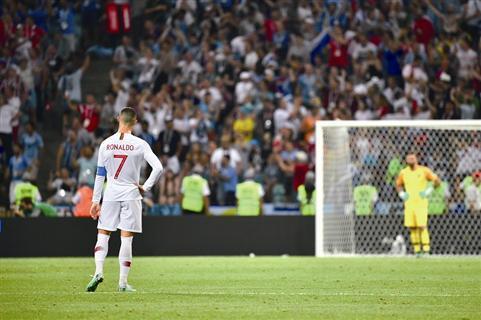 C罗抢了世界杯的头条