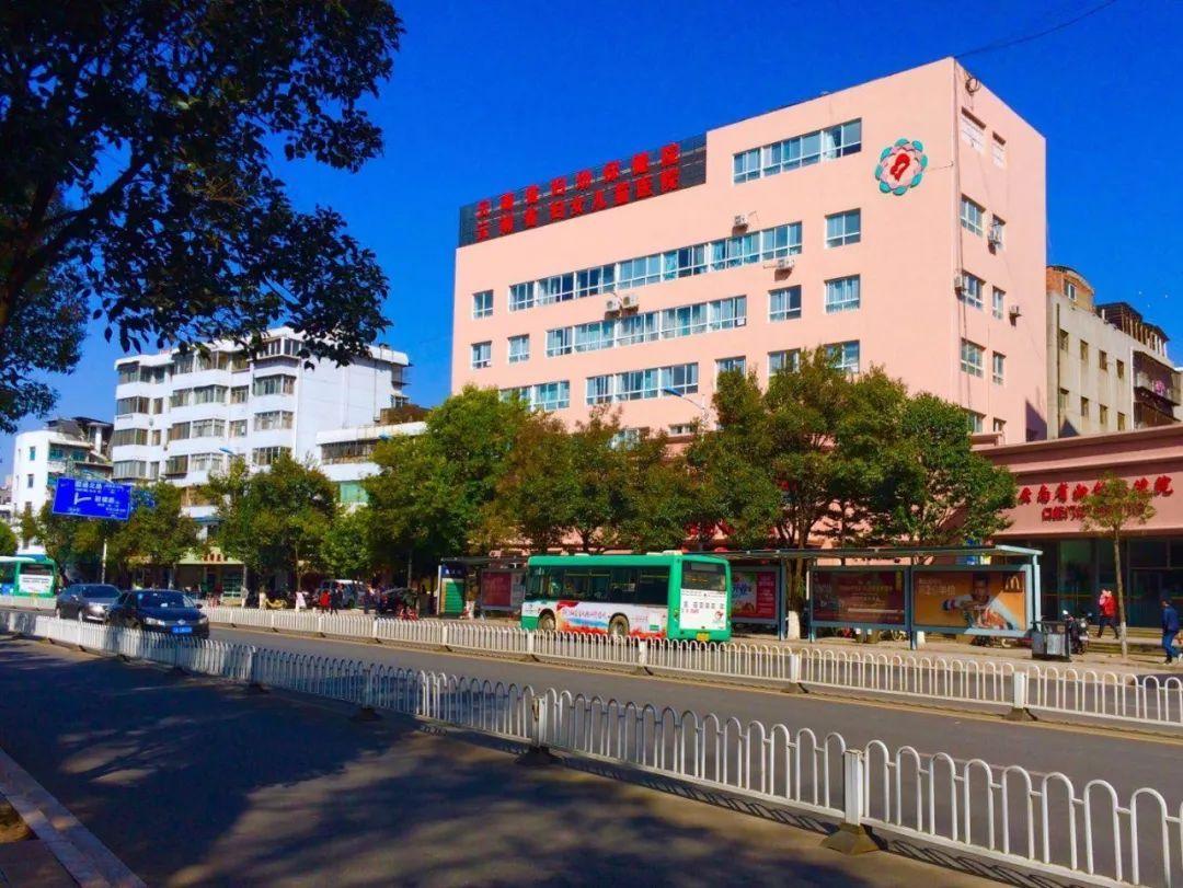 别样的探视  幸福的重逢——云南省妇幼保健院新生儿室视频群情景集