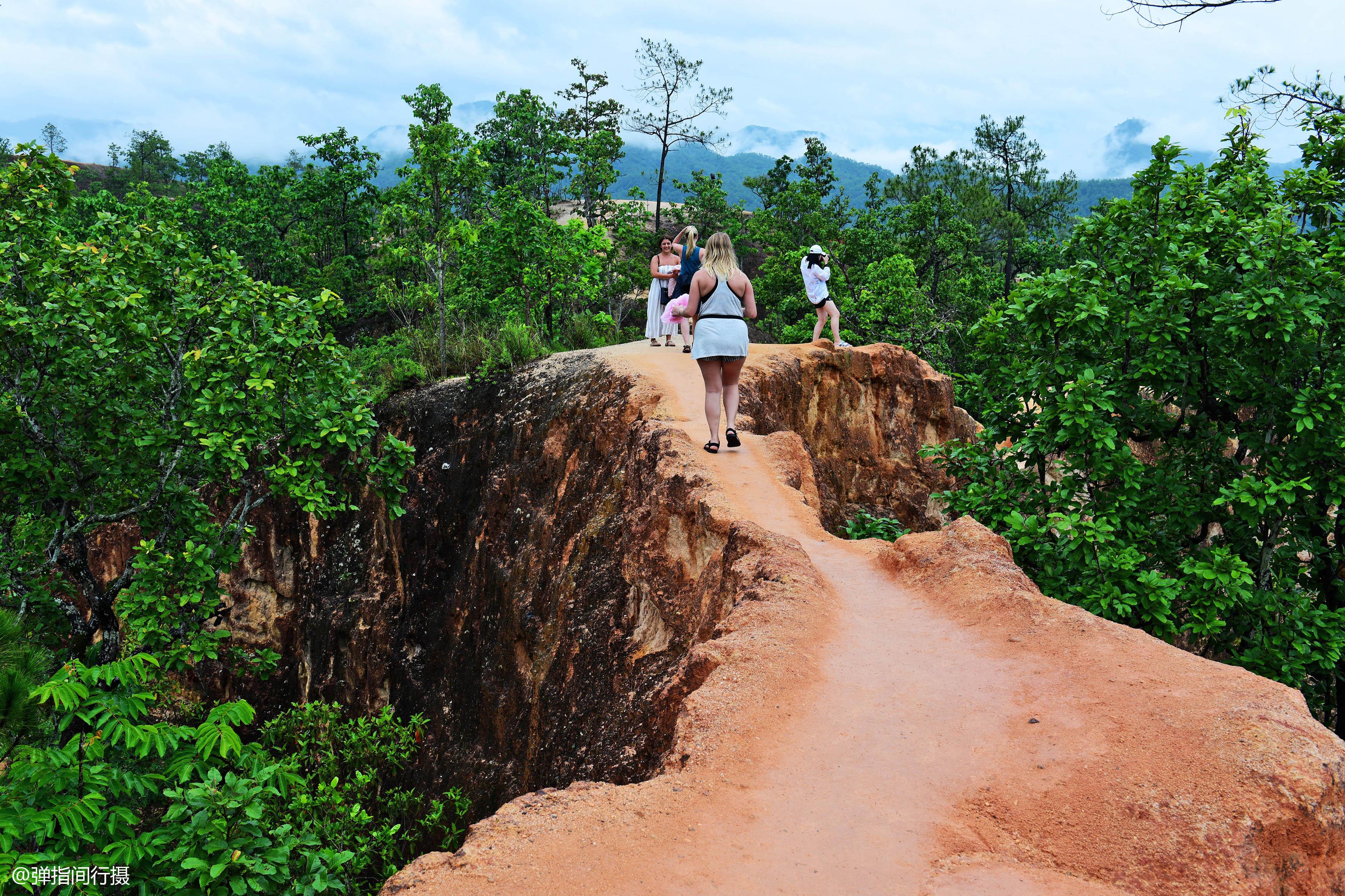 峡谷悬崖无防护曾有游客坠亡,险象环生的泰国旅游,还能火多久?