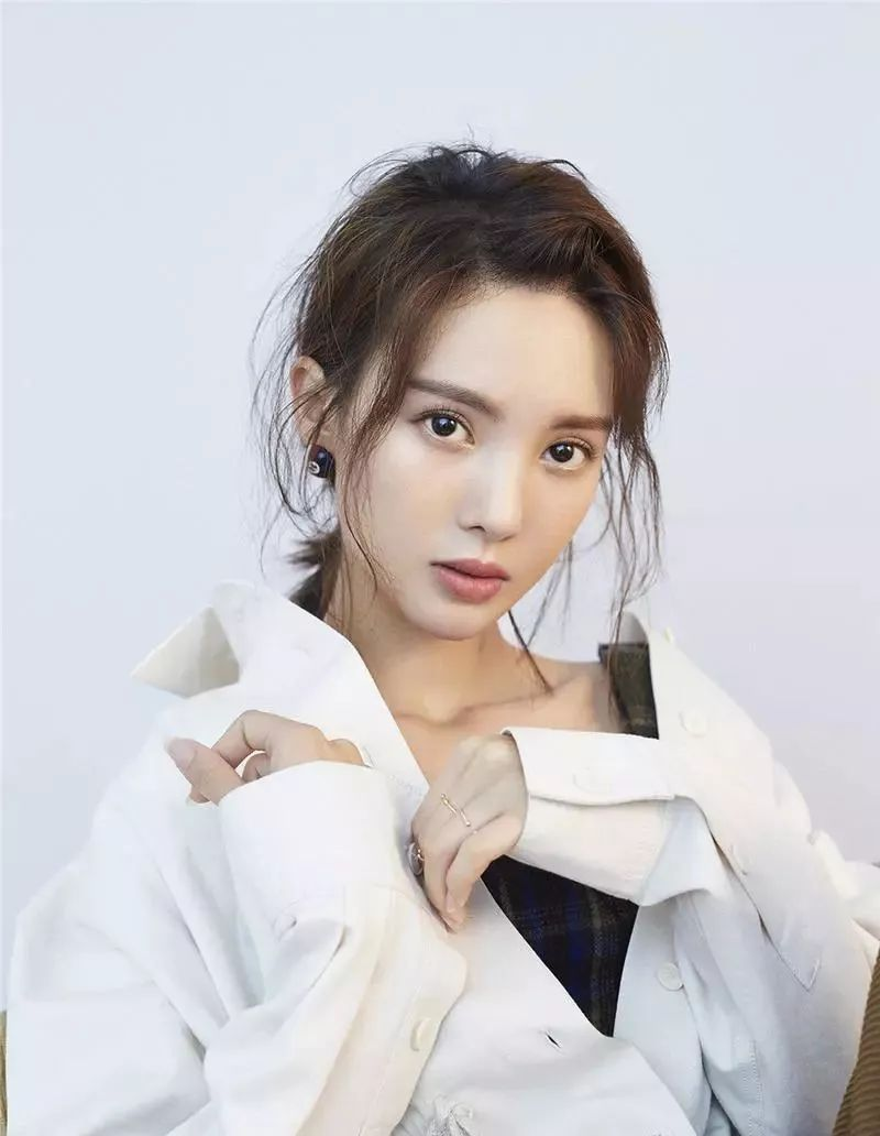 2018短发烫发发型女图片
