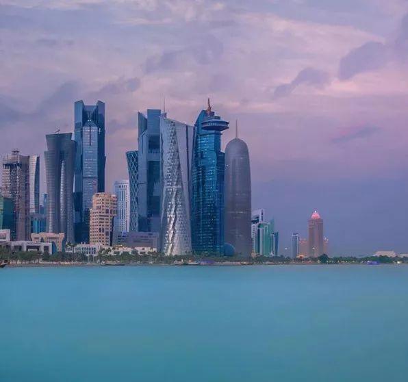 比迪拜更有钱的国家,实行了免签!