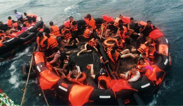 普吉海难:是船方冒险,还是官方失责