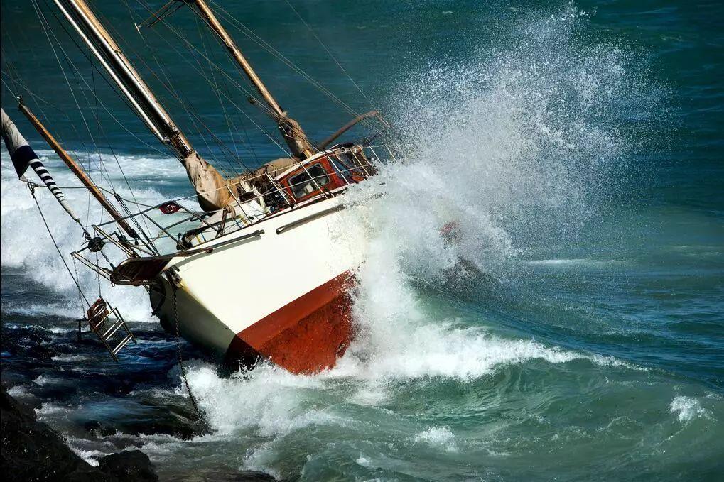 泰国游船倾覆事件:绝命20小时,像度过了漫长的一生