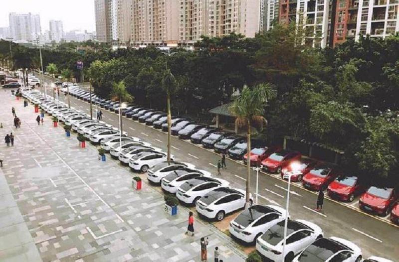 在上海建厂,于北京设立科技创新中心,特斯拉图什么? - 周磊 - 周磊