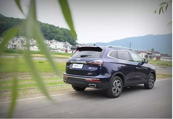 瑞风S7重量级SUV 10万起步比H6多俩座
