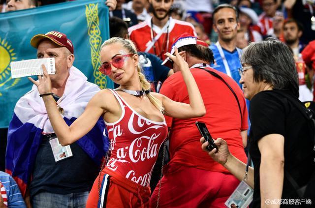 FIFA要求赛事转播减少美女球迷出镜