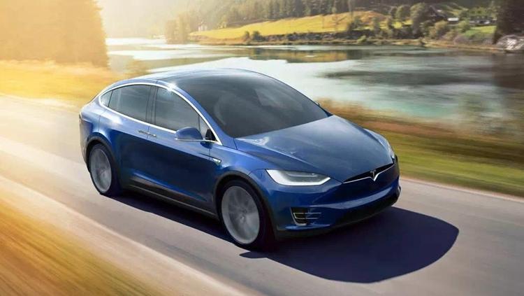 特斯拉Model X这款超过5米的中大型SUV,风阻被控制到0.25