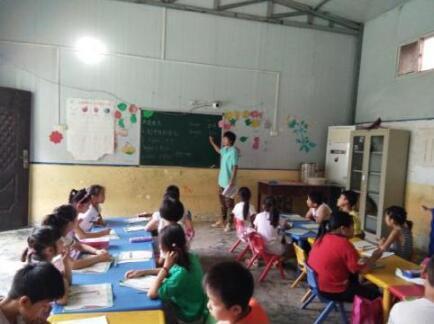 倾情支教 让留守儿童不再孤单—河南农大牧医暑期周口山村支教