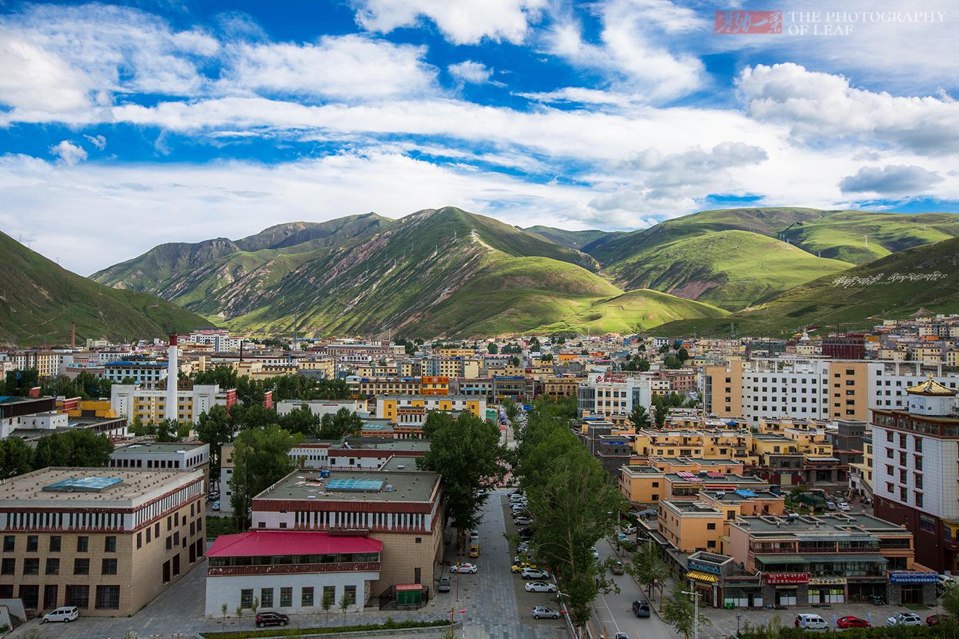 地震把这夷为平地,如今它是高原最现代化的城市,这是重生的奇迹