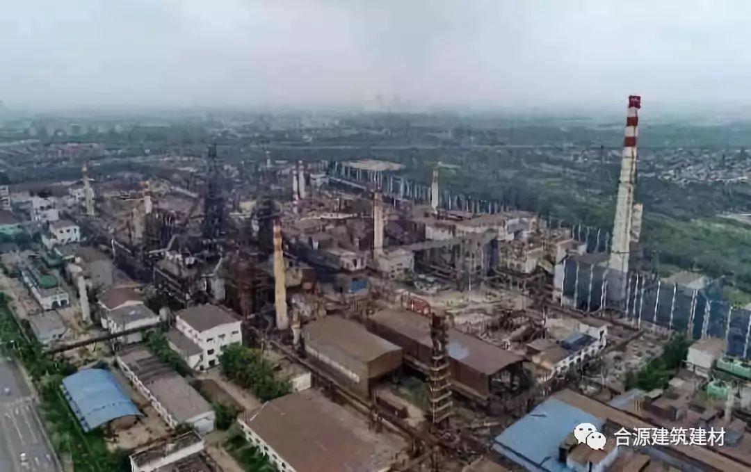 唐山市�zn/ycc�/&_这是7月12日无人机拍摄的唐山市一家停产的钢厂.