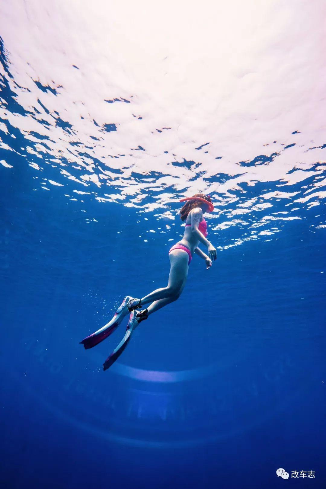 都说车子是情人,但潜水甜心与奥迪S3的跨物种爱恋你见过么?