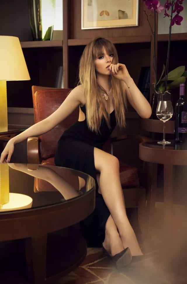 全球时尚博主第三名,这位酷爱暗黑系的小姐姐你必须了解下!