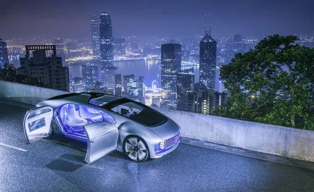 香港 RISE 科技展丨蔡澈博士对话盖伊·川崎:人工智能如何改变未来出行