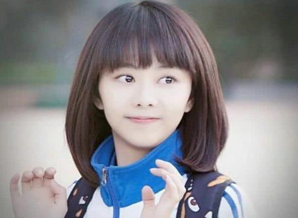 谭松韵的短发简直就是初恋发型啊,很多初中高中的女孩子都喜欢这种图片