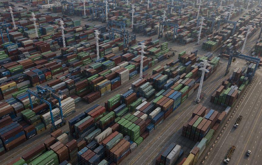 上半年GDP增6.8%:战略定力不可动摇 | 新京报快评