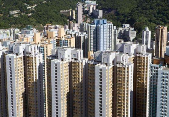 为什么香港住宅又高又密,但从不装防盗网?听师傅说完才懂了