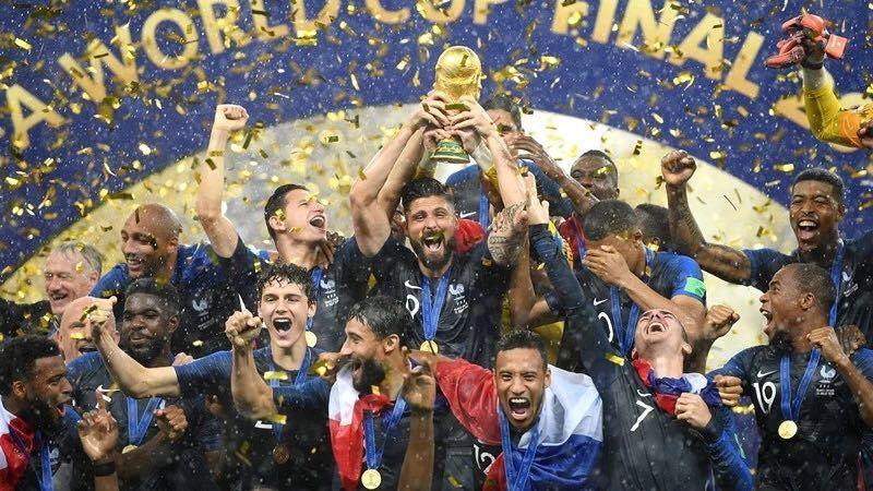 世界杯冠军出炉!他们用行动告诉你,比得冠军更重要的是……