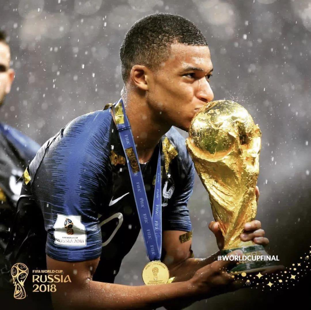 世界杯5父亲最火人物:姆巴佩圆梦金杯 索帅重燃叁狮之魂