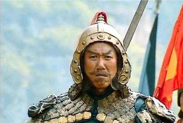 该成语讲述一低级将领,率部吓跑刘备,十余年间多次击败诸葛亮