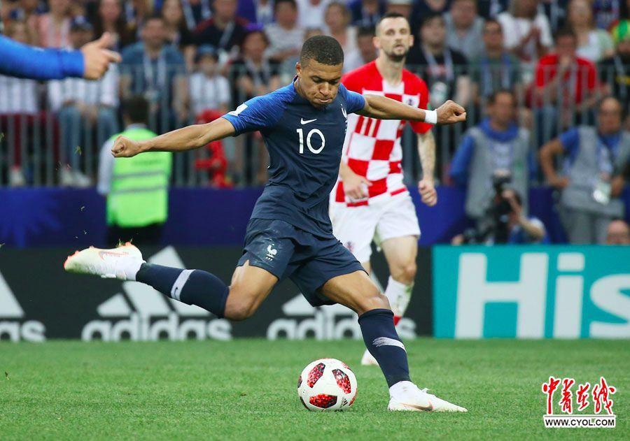 刚刚法国队夺冠,但我们必须要向亚军致敬!!!